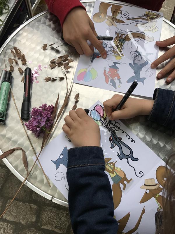 Atelier cyanotype enfant/parent de la Galerie Esther Woerdehoff – Paris
